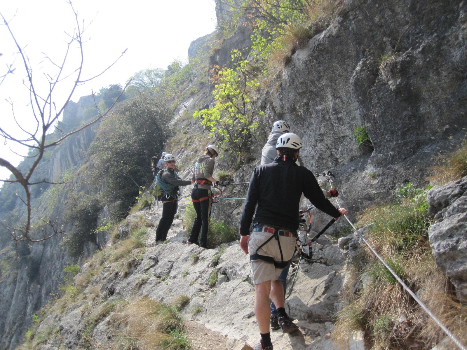 Klettersteigset Verleih Arco : 3 tage geführte klettersteige am gardasee