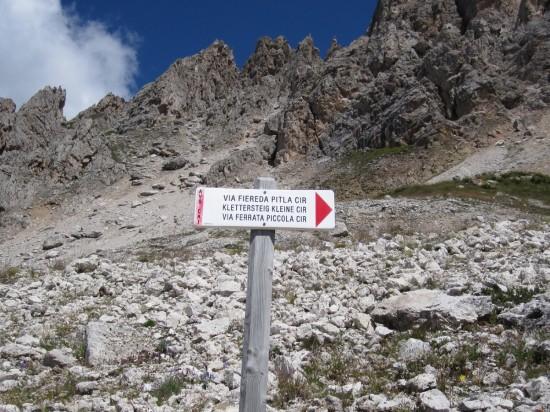 Klettersteig-kleine-Cirspitze-Dolomiten