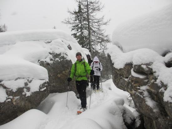 schneeschuhwandern-labyrinthsteig-karersee