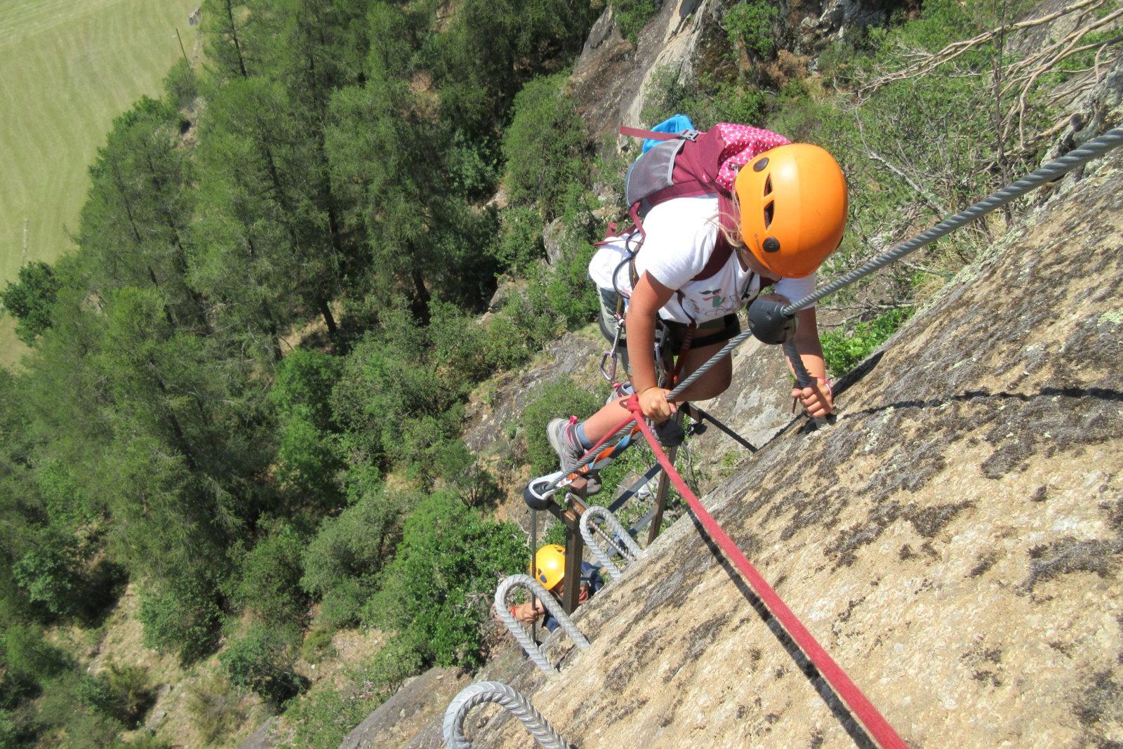 Klettersteig Naturns Knott : Familien Übungsklettersteig klettersteigkurs knott im vinschgau