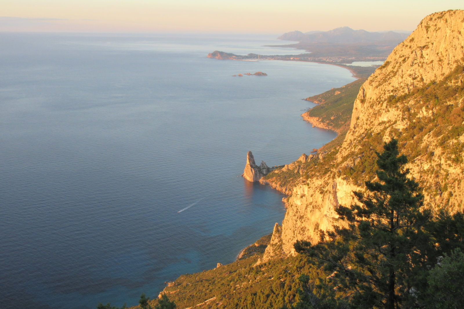 Selvaggio Blu - eine Trekkingtour an der Küste Sardiniens