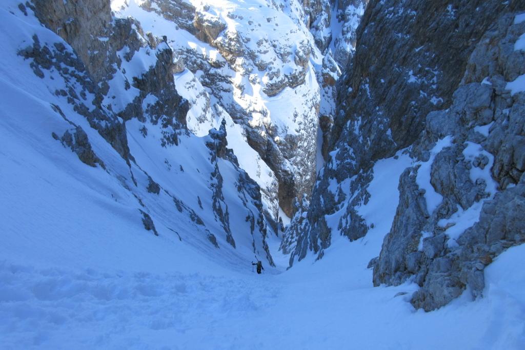 Skitouren Dolomiten: zwischen Rinnen und schroffen Felswänden